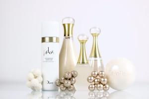 pomysly-na-prezenty-swiateczne-perfumy-kosmetyki-dior-jadore